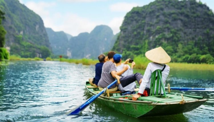 Traveller's Guide On Top 3 Places To Visit In Vietnam